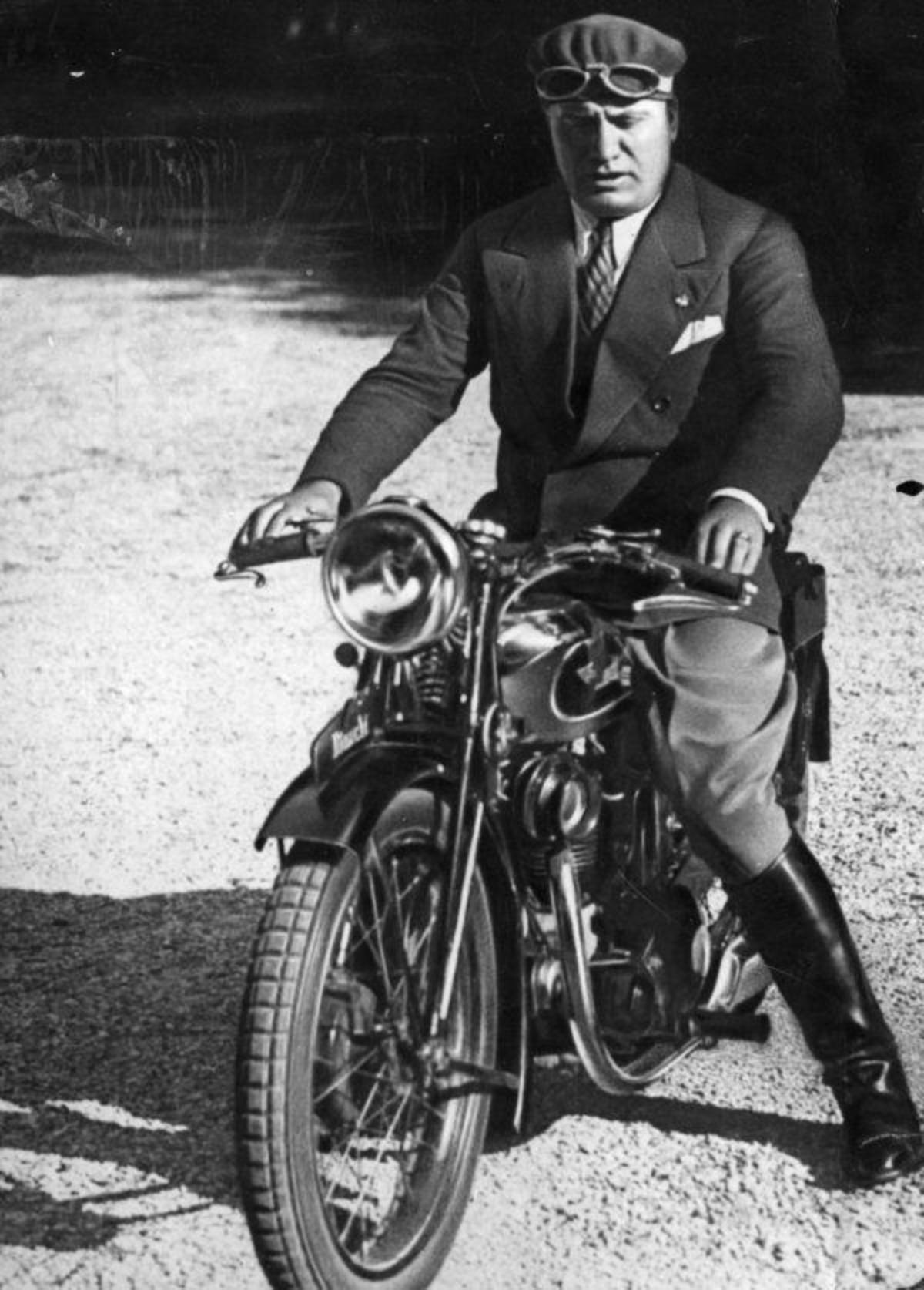 Путин обокрал Муссолини