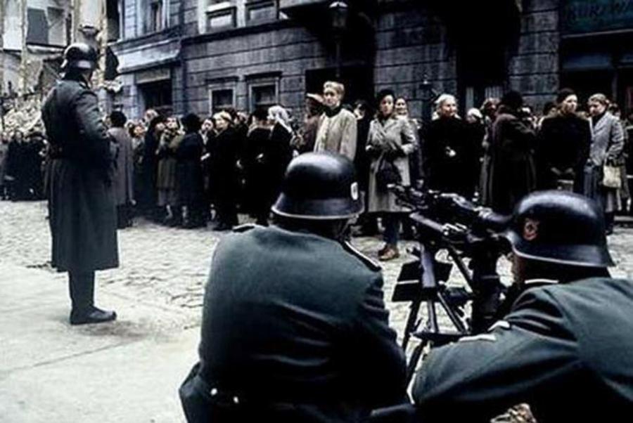Женщинский бунт на Улице Роз, Берлин