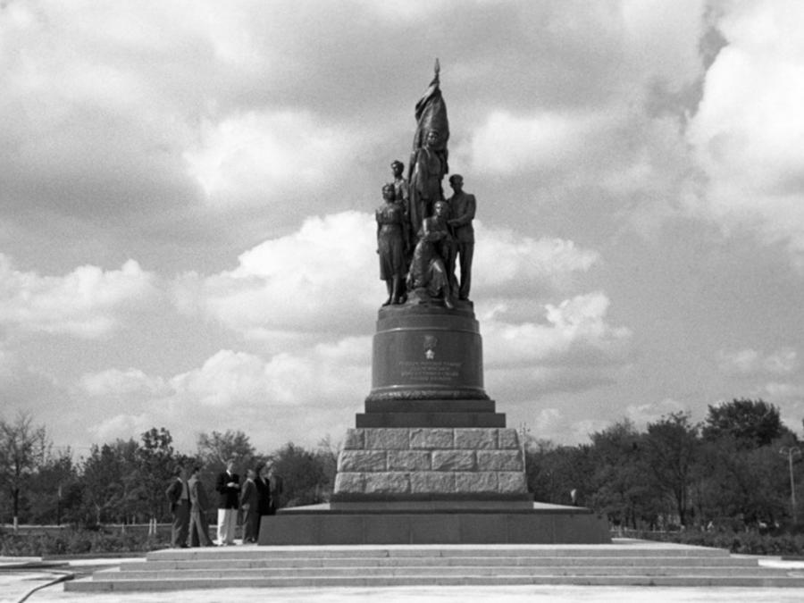 """""""Молодая гвардия"""" – миф кремлевской пропаганды, или История, которой не было..."""